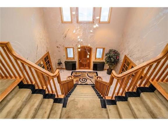 breathtaking two story entryway
