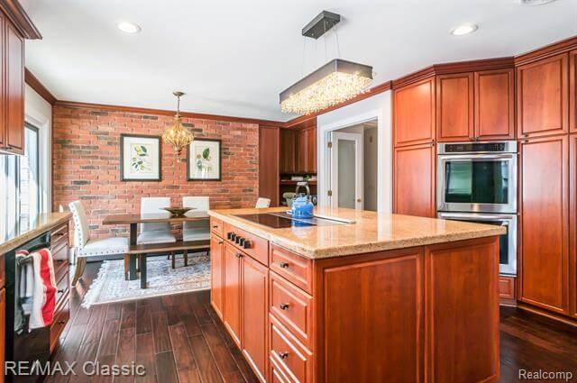 12881 Beacon Hill Drive Kitchen